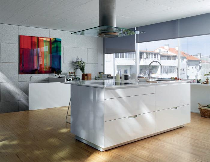 Line e estratificado cocinas santos blanes estudio de for Muebles figueres